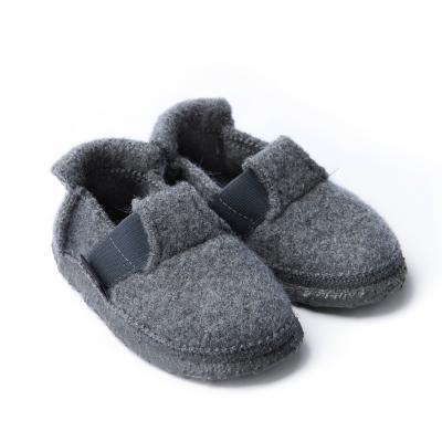Hausschuhe aus Wollfilz grau